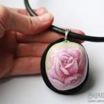 róża, naszyjnik z różą